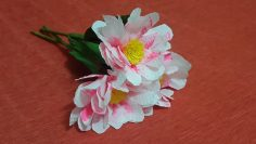 July Member Make: Crepe Paper Water Lily - Lia Griffith | 133x236